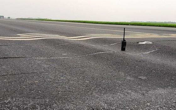 內牌機場的S3跑道路面凹凸不平。(圖源:越雄)