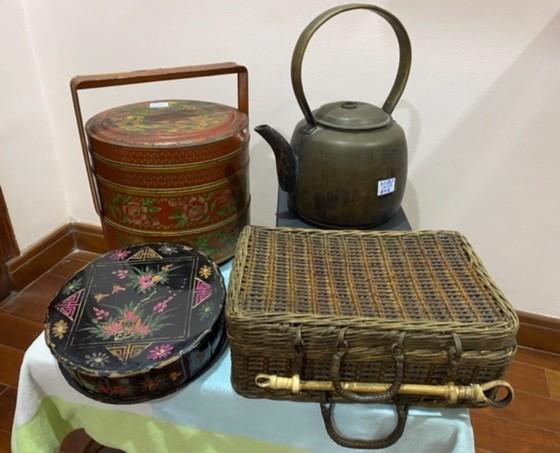 """陶女士給""""西堤華人文化陳列室""""捐贈的文物都十分有價值。"""