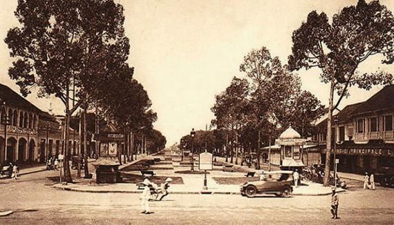 二十世紀初葉,從歌劇院廣場(現為市大劇院)望出去的 Bonard 大道。(資料圖)