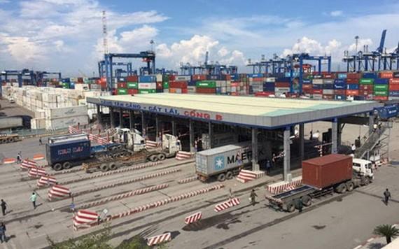 本市正制定收取海港基礎設施使用費的提案。