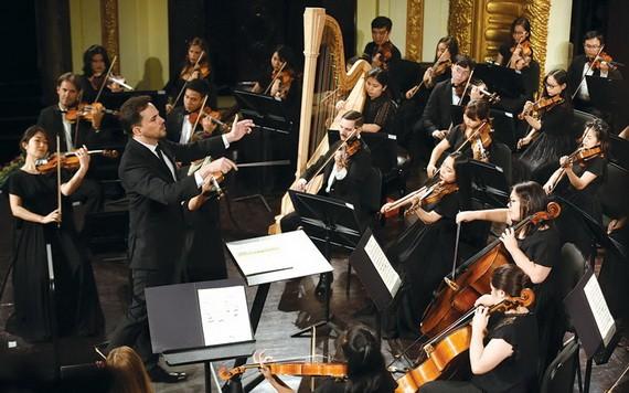 太陽交響樂團的音樂會需要提前一個月訂票。