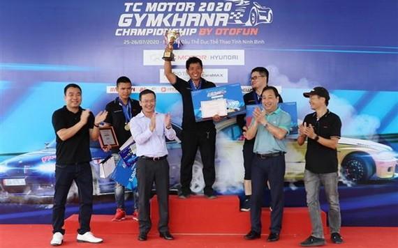 金卡納( Gymkhana)體育車錦標賽頒獎儀式。(圖源:互聯網)