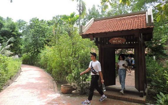 """""""越南掠影""""旅遊區裡的農村一隅。"""