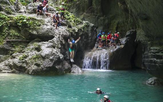 卡瓦山瀑布,全世界遊客推崇的冒險聖地