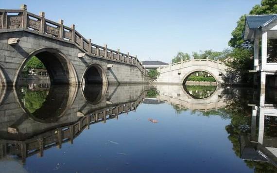 中國 12 個古鎮景美人少