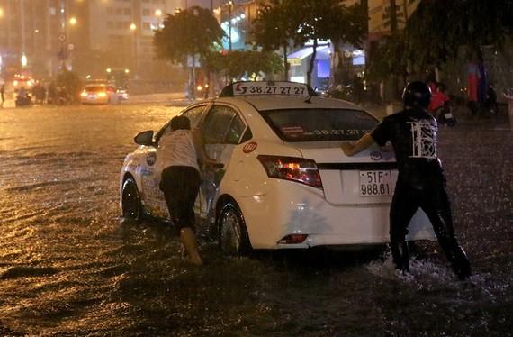 南部區域水文氣象台:本市大雨潮汛將同時來襲。(示意圖源:VNN)