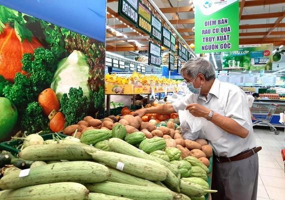 Co.opmart連鎖超市嚴管鮮活食品的標準。
