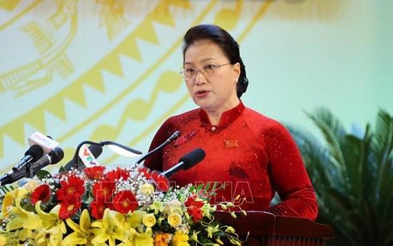 國會主席阮氏金銀在大會上發表講話。(圖源:越通社)