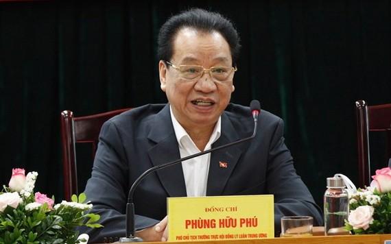 中央理論委員會常務副主席馮友富同志。(圖源:倫勇)