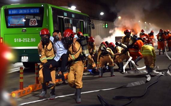 西貢河隧道消防救護演習現場一瞥。