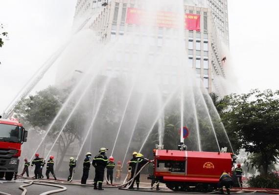 消防演習現場。(圖源:蔡芳)