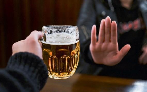 自本月中起,逼酒將遭罰款。(示意圖源:互聯網)