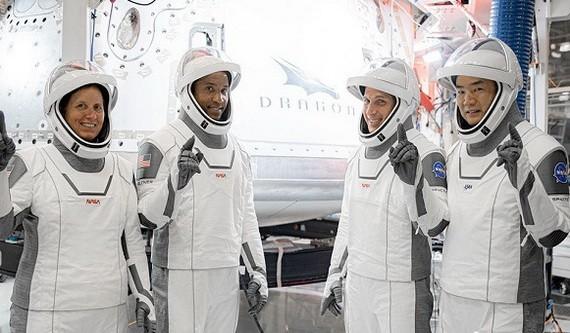 4名宇航員在起飛前合照。(圖源:Getty Images)
