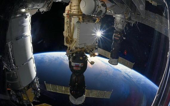 """俄羅斯或於明年12月8日發射""""聯盟""""號飛船,向國際空間站運送第一批旅客。(圖源:Roscosmos)"""