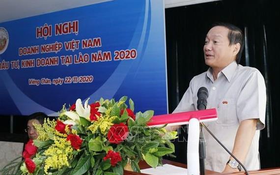 越南駐老撾大使阮伯雄在議會上發表講話。(圖源:越通社)
