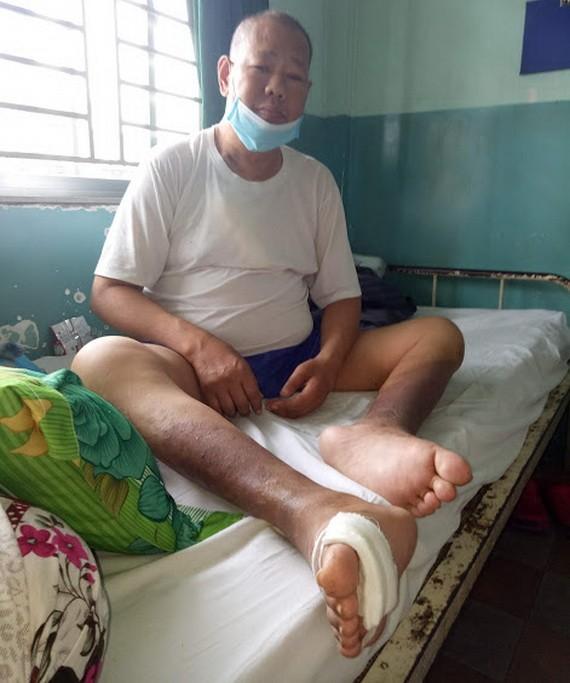 周國勇在安平醫院接受醫治。