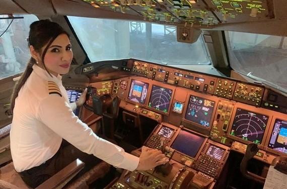 阿加沃爾是印度航空最年輕的女機長。(圖源:互聯網)