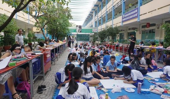 第六郡華人學生參加繪畫比賽
