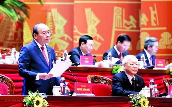 政府总理阮春福主持会议。(图源:越通社)