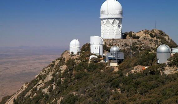 基特峰國家天文台的各種望遠鏡。(圖源:互聯網)