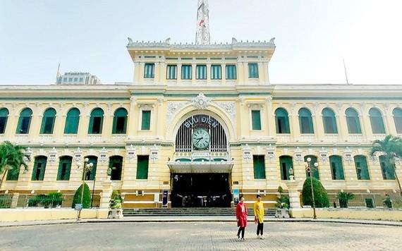 本市著名的古老建築物之一的市郵政局擁有一百廿九年歷史,但未獲公認是遺產。