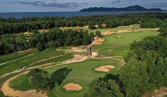 獲海洋與群山環抱,姑陵Laguna高爾夫球場是在亞洲值得體驗的高爾夫球場之一。(圖源:互聯網)