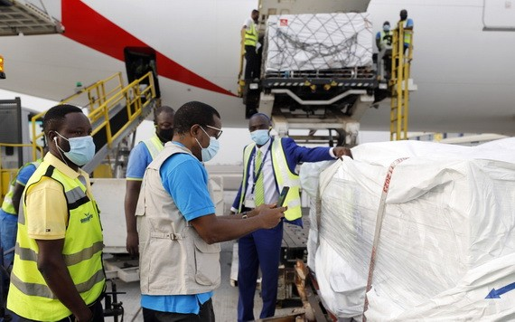 加納成首個透過Covax獲得疫苗的國家。(圖源:AP)