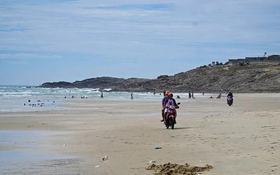 事發的海灘。(圖源:廷州)