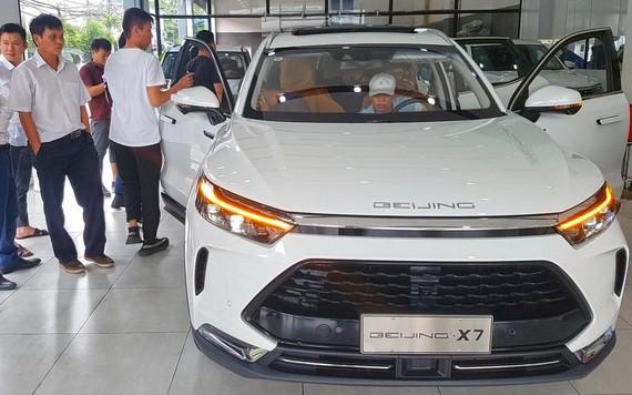 从中国进口的Beijing X7汽车。(图源:安儿)