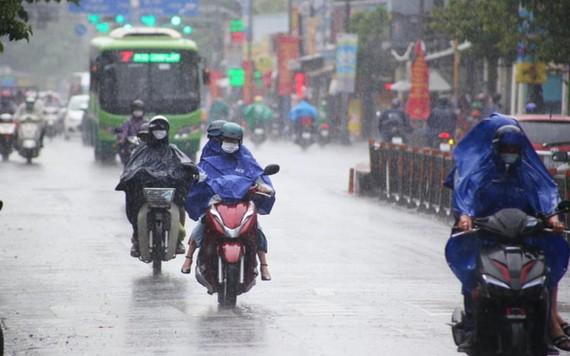 昨(4)日下午本市多地降起陣雨。(圖源:垂楊)