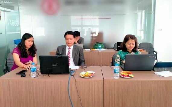 越南康洋產業園董事長徐豐培與其他企業參加廣交會線上交流推介會。