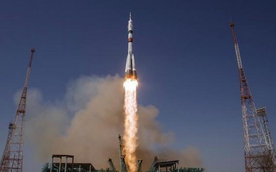 """當地時間3月22日,俄羅斯""""聯盟-2.1a""""運載火箭已攜帶18個國家的38顆衛星,從哈薩克斯坦拜科努爾發射場發射升空。(圖源:互聯網)"""