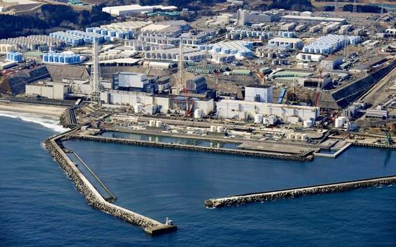 圖為2月13日的日本福島第一核電站。(圖源:Kyodo/AP)