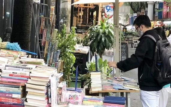 本市書香街對讀者而言是個有信心的舊書買賣地點。