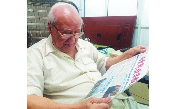 讀華文《西貢解放日報》