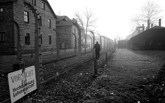 奧斯威辛-比克瑙(Auschwitz-Birkenau)是波蘭的一個納粹集中營,在第二次世界大戰期間,超過一百萬猶太人和其他少數群體成員在那裡被殺害。 (圖源:聯合國)