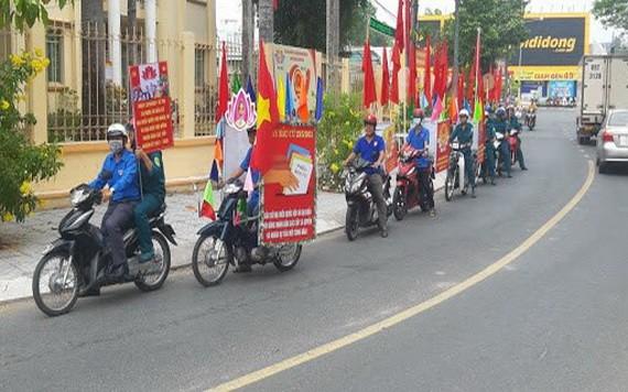 青年團員加強宣傳 營造選舉濃厚氛圍