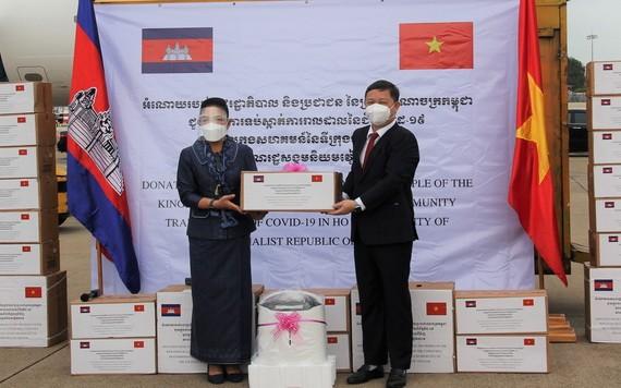 柬埔寨向本市贈送醫療物資