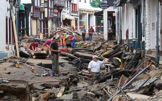 德國西部洪災,導致近200人死亡。此次洪災可能將衝擊9月舉行的大選。(圖源:路透社)