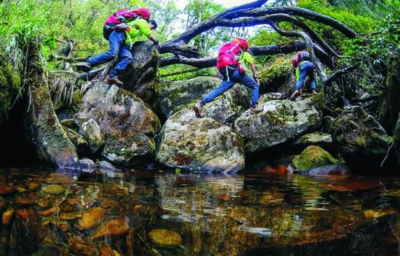 普塔亮嶺地形崎嶇陡峭吸引喜愛挑戰的年輕人。