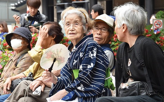 日本厚生勞動省公佈的簡易生命表顯示,去年日本人平均壽命為女性87.74歲,男性81.64歲,均刷新最高紀錄。(圖源:互聯網)