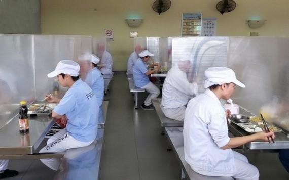 疫情期間,生產停滯和運貨遇到不少困難。
