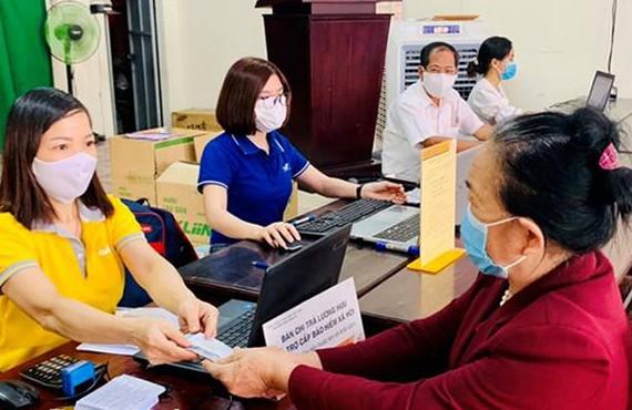 勞動與榮軍社會部建議明年初上調退休金與補貼。(示意圖源:文筍)