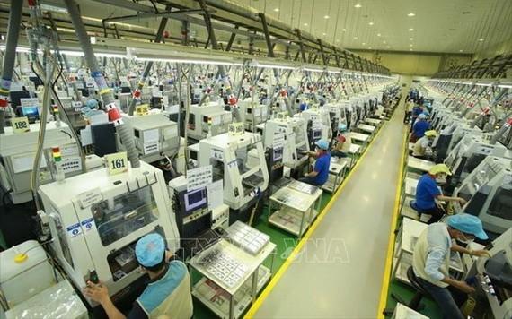 圖為太原省恬瑞工業區內的Bokwang Vina 公司的電子元件生產線一景。(圖源:越通社)