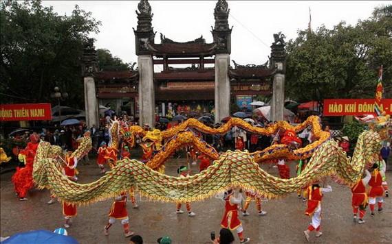 陳祠廟會迎水儀式。