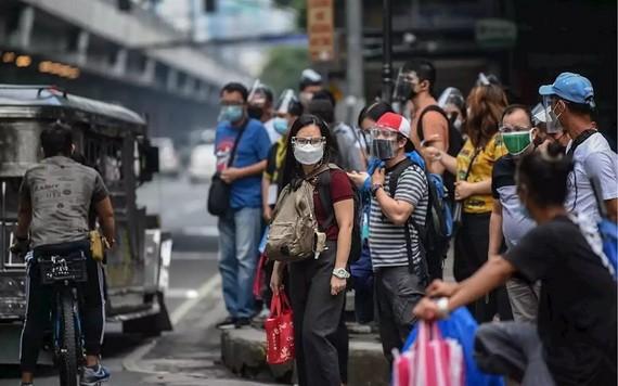 菲律賓去年3月因新冠疫情進入為期6個月的全國災難狀態,同年9月將全國災難狀態延長一年至今年9月。(圖源: 互聯網)