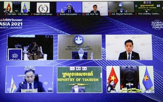 東盟各國旅遊部長以視頻方式出席2021年印度尼西亞全球旅遊論壇。(圖源:H. Lê)