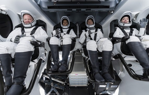 全球首「全平民」太空游成功升空