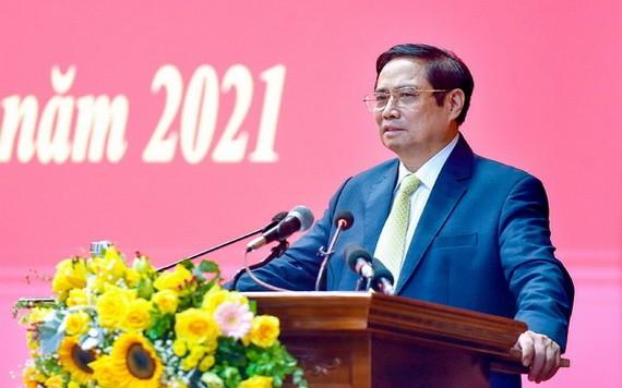 政府總理范明政在典禮上致詞。(圖源:VGP)