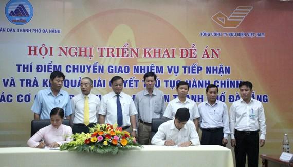 Các sở ngành, quận huyện TP Đà Nẵng ký kết thực hiện thí điểm đề án
